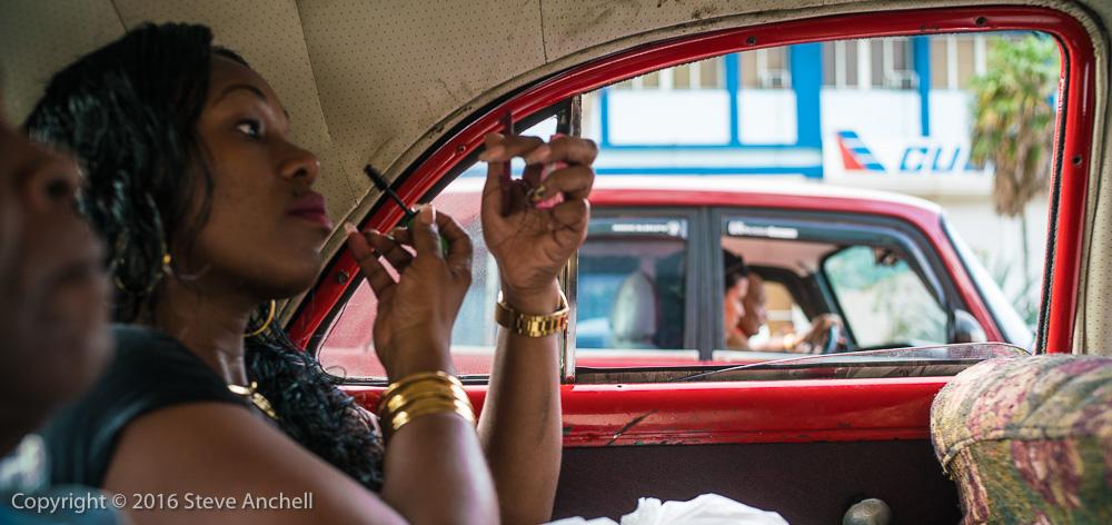 Women traveling in cuban taxi -  - Best Havana Photography Workshop