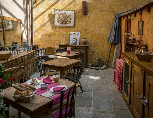 France Photo Tour - Mirepoix - rustic cafe