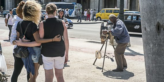 Cuban Street Photographer - Havana Street Photography Workshop