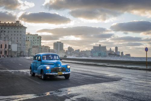 Cuba_020-Car_Malacon-1003963