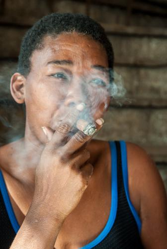 Cuba_133-WomanSmoking-0586